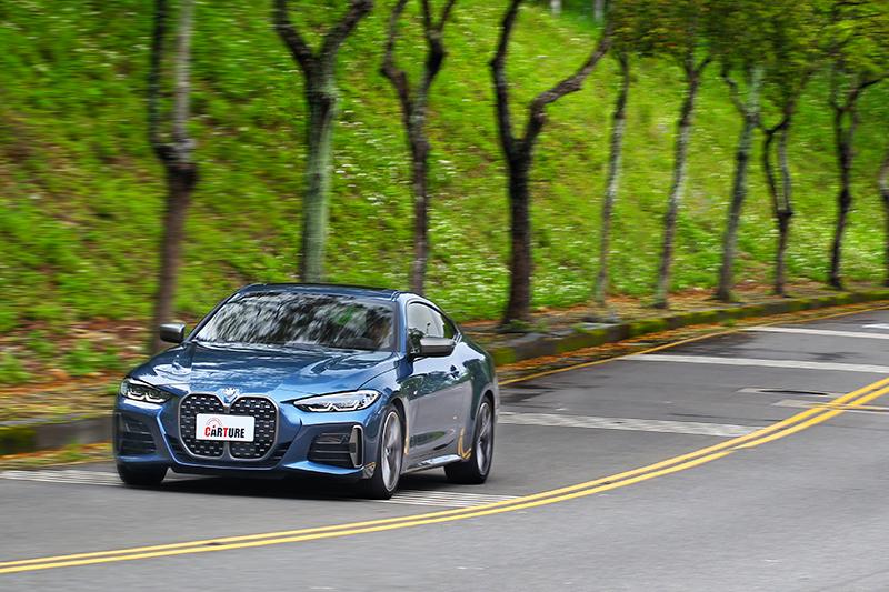 在極富運動氣勢外表下,M440i xDrive動態表現自當也精彩。