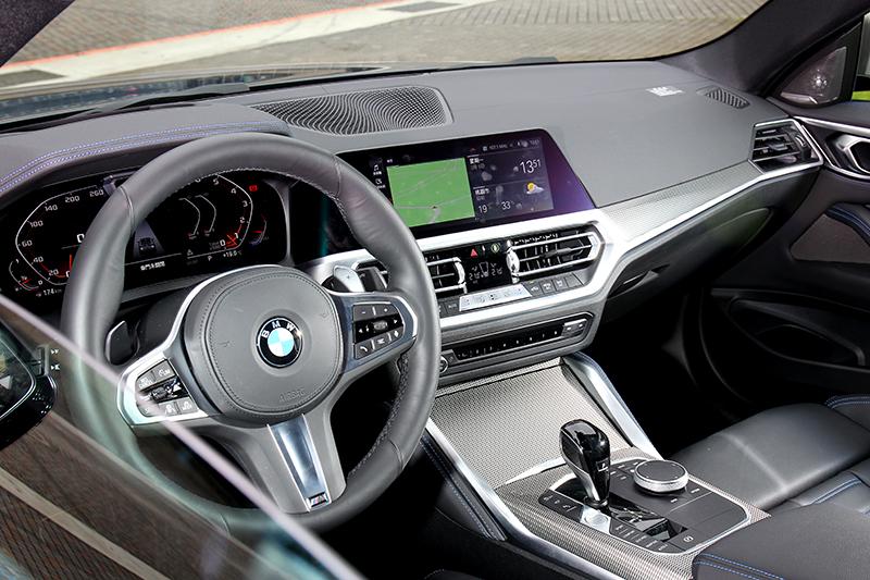 相較於外觀M440i xDrive座艙就有著熟悉格局。