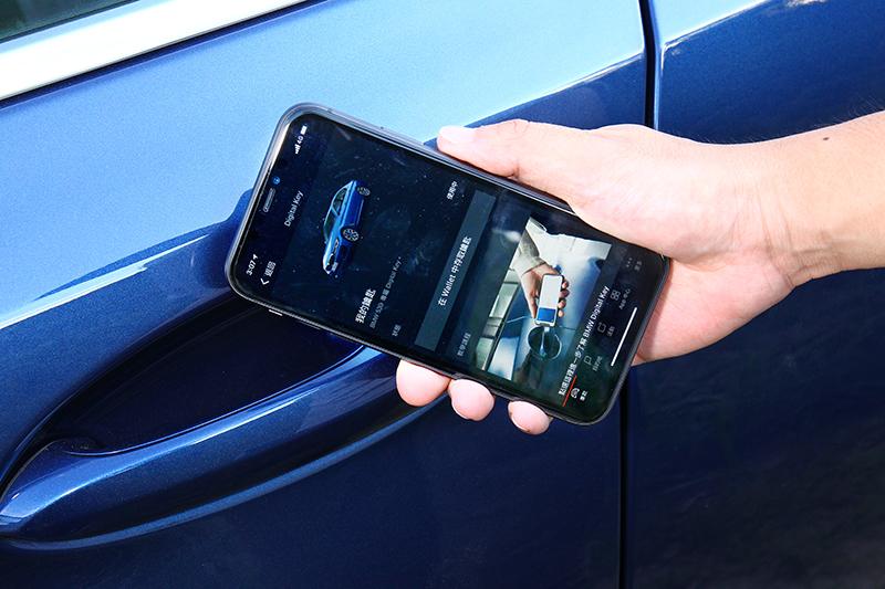 M440i xDrive也有配備iPhone數位鑰匙。