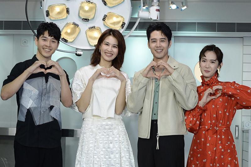 【車勢星聞】《親愛的亞當》主要演員(左起)吳岳擎、曾沛慈、胡宇威、孫可芳。(圖:八大電視提供)