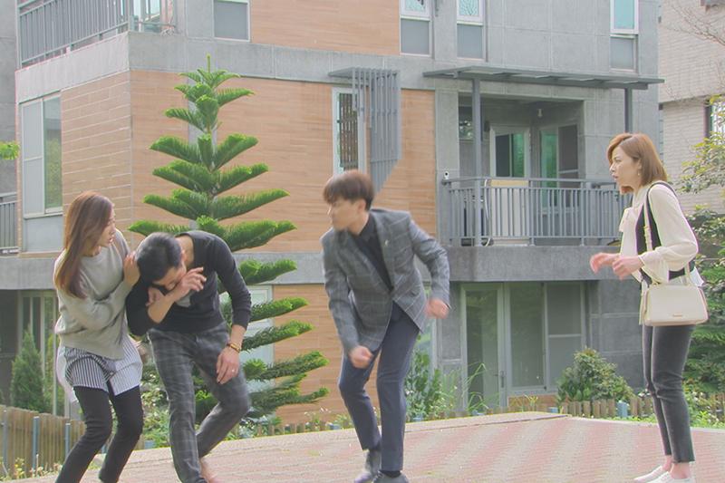 【車勢星聞】傅子純(左二)表示跟許仁杰(左三)太久沒對打,默契還是很好。(圖:民視提供)