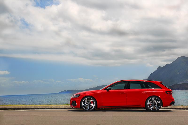 RS 4 Avant流線身形與旅行車設定外加性能,可是許多男人夢想的車型。