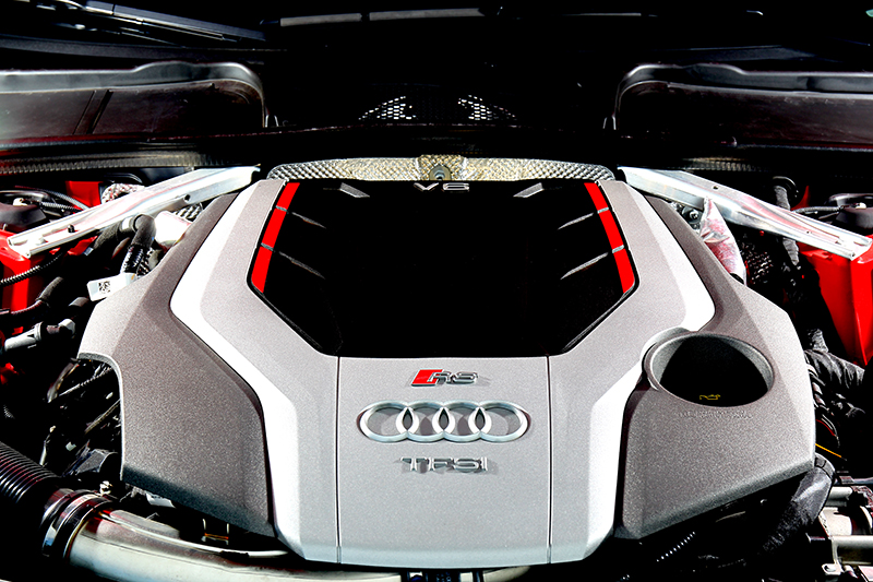 搭載的2.9升V6渦輪引擎擁有450hp/61.2kgm輸出。