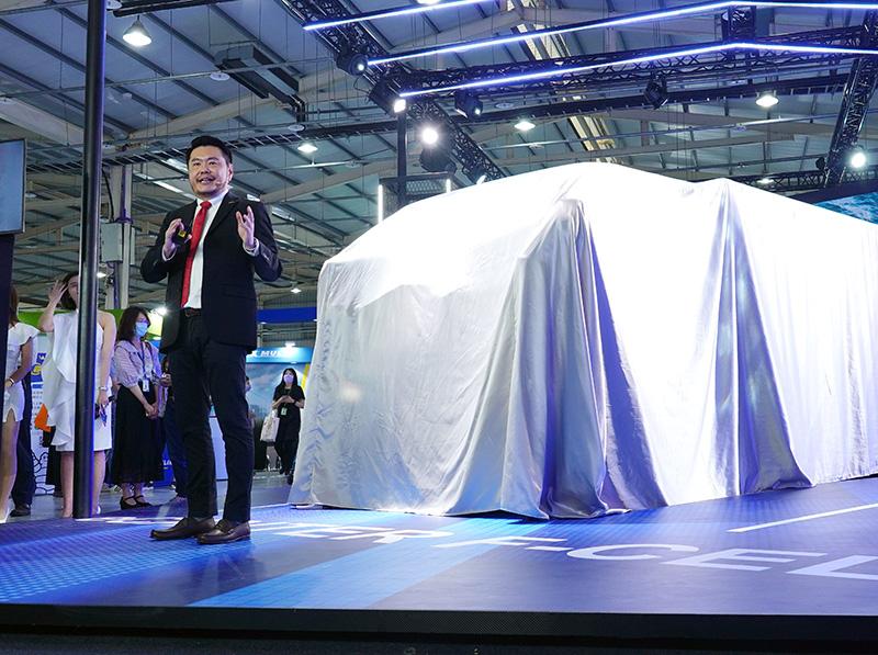 DTAT執行長王立山表示:「為展現Fuso對台灣顧客的高度重視,我們積極與總部爭取台灣成為eCanter F-CELL海外展示首站。