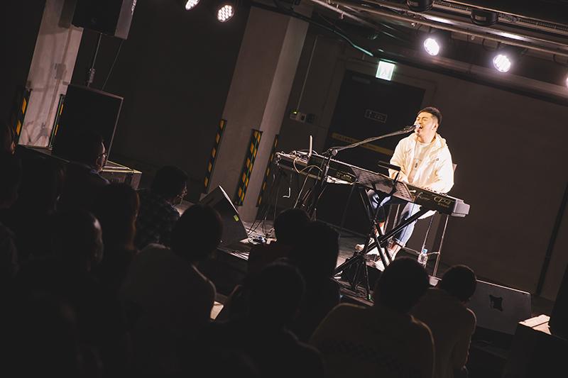 【車勢星聞】阿超《忘年會》Legacy chako現場演出。(圖:Legacy提供)