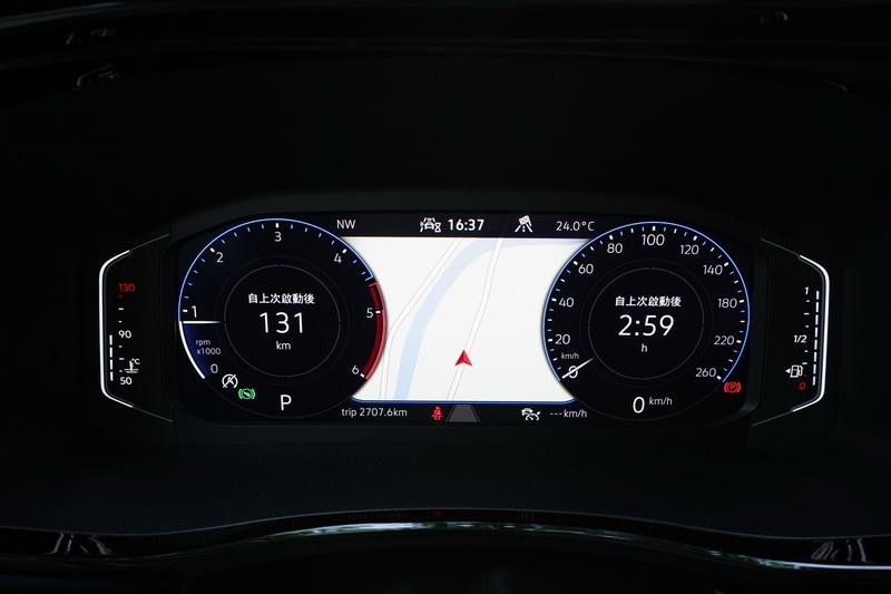 California Ocean的駕駛儀表配的是10.25吋全數位款式