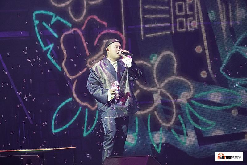 【車勢星聞】《玖壹壹》台北流行音樂中心開唱,以「汽車」為主題貫穿全場。