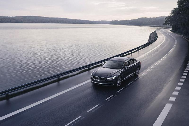 追求零事故Volvo旗下車型極速都只有180km/h。