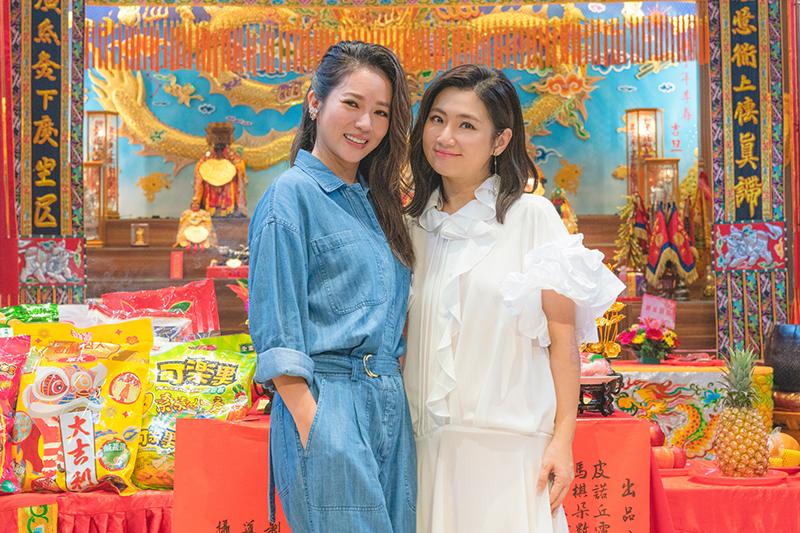 【車勢星聞】任家萱Selina(右)與高宇蓁在電影《頭七》飾演姐妹。(圖:皮諾丘電影提供)