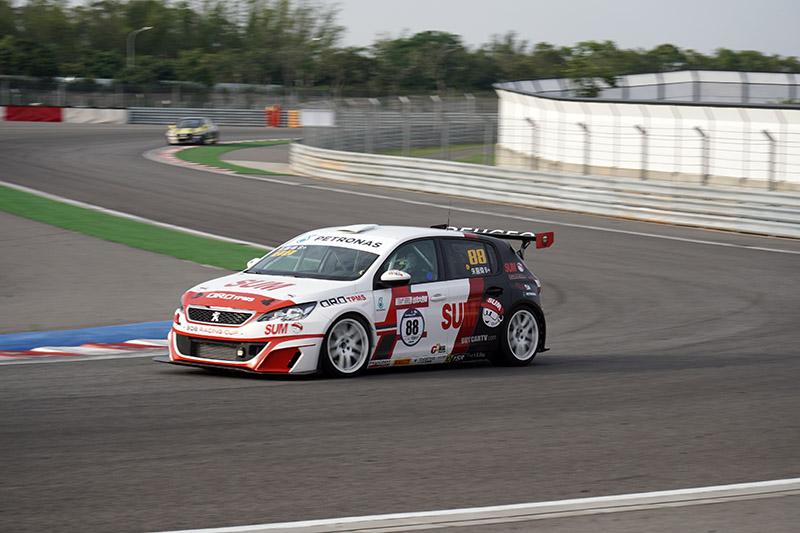 超級房車賽S2000組別賽車。