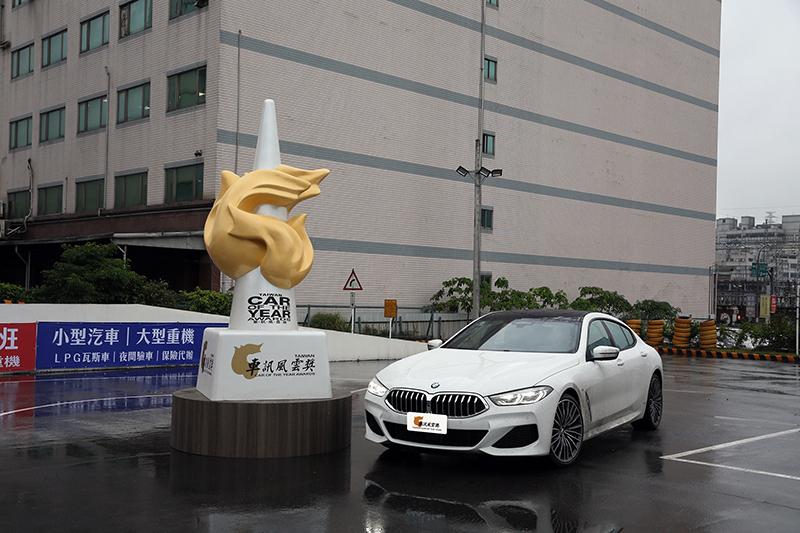 2021最佳進口豪華大型車:BMW 8 Series Gran Coupe。