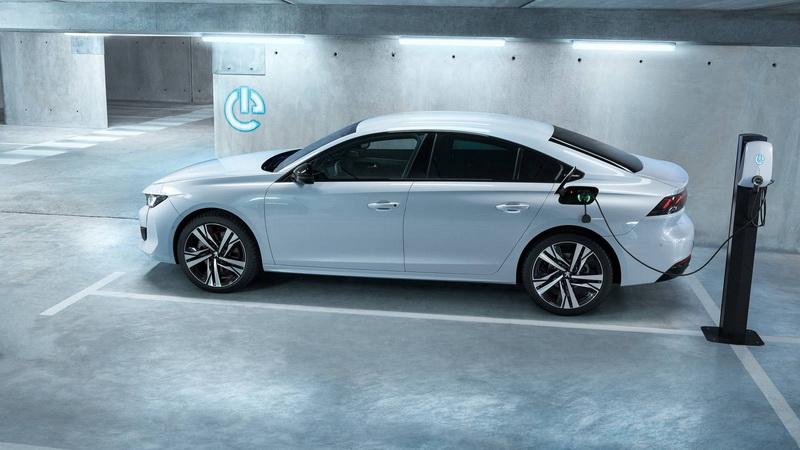 Stellantis表示因PSA多款電能車型與燃油車型優異的排放表現及支援電能技術,2021年可憑自身實力通過排汙規範。