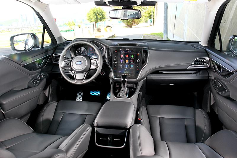 11.6吋中控螢幕與隔局規劃,讓Outback座艙終於朝精緻質感邁進。