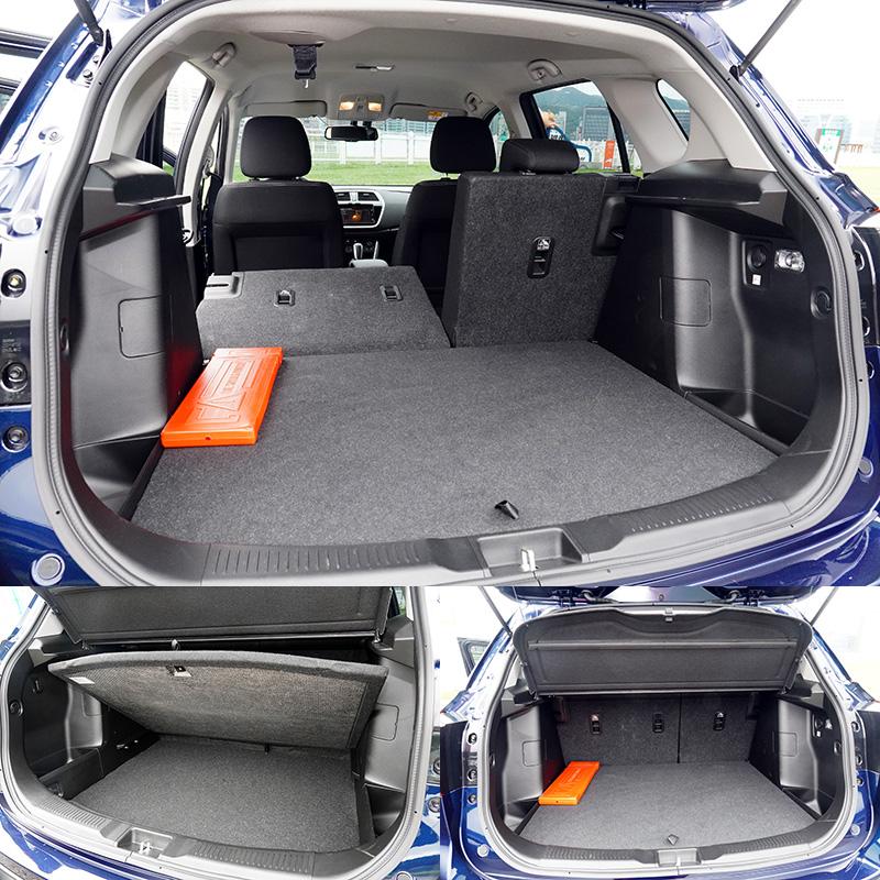 行李廂容積可在430L至875L間透過後座椅背翻倒功能調整,並具有行李廂下層空間。