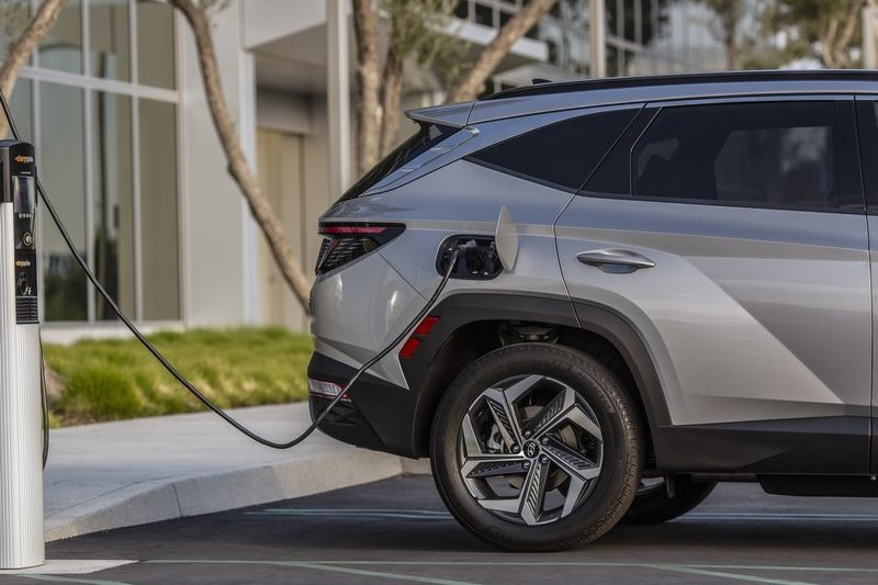新世代Sportage採與Tucson相同平台,因此預計也會有汽柴油與PHEV等動力系統。