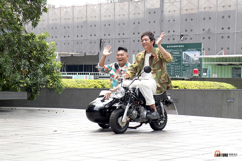 【車勢星聞】三立都會台《就是這味》全新改版《就是這味─玖浩吃》由姚元浩(右起)、李玖哲合體主持。