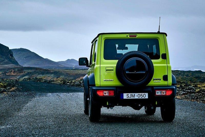 有報導指出Suzuki Jimny將於2022年推出五門長軸車型。(圖為現行Jimny)