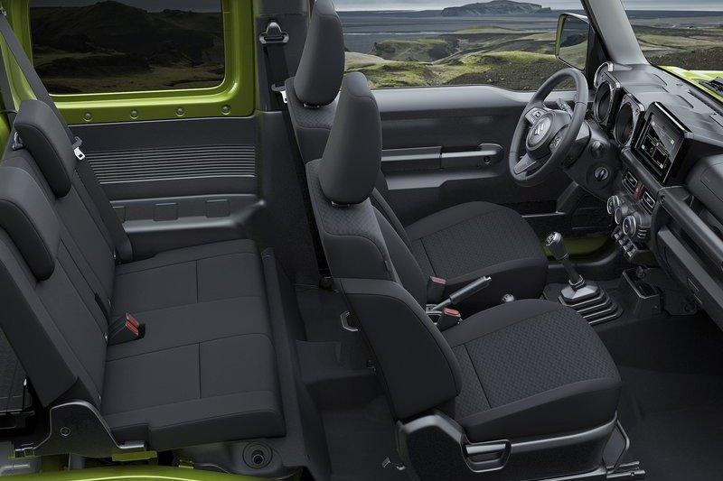 Jimny五門長軸軸距來到2,550mm,後座空間將比現行來得更舒適,(圖為現行Jimny)