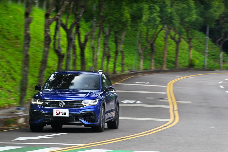 Volkswagen Tiguan小改款發表後,媒體最期待的莫過於品牌首款掛上R廠徽的性能休旅Tiguan R