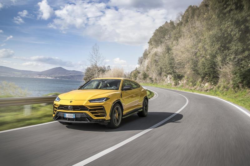 第二階段期下所有車型都會導入電能,而先前已有報導Urus會在2022年推出PHEV車型。