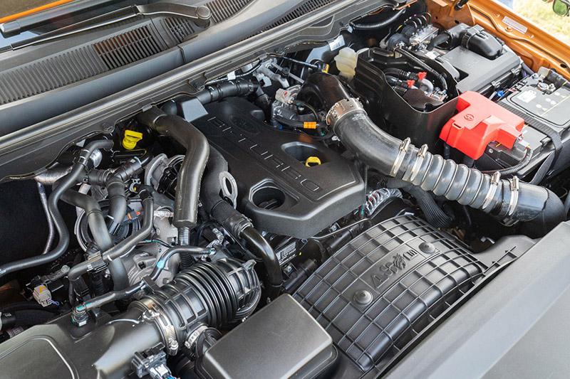 21年式Ford Ranger運動型搭載2.0L直列四缸Bi-Turbo柴油雙渦輪增壓引擎,擁有同級最佳213ps/51.0kg-m 強悍動力,結合SelectShiftTM十速手自排的最強悍組合。