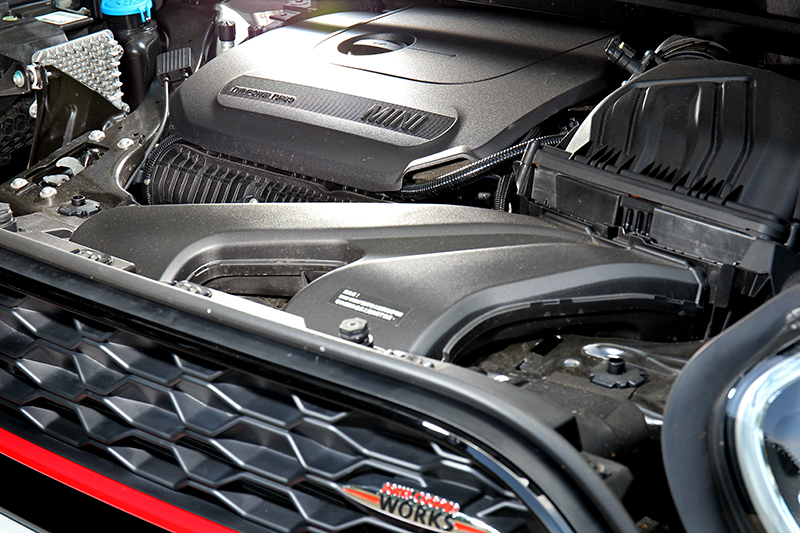 動力輸出提升至306hp/35.7kgm。