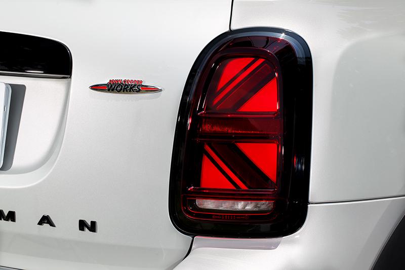 英國旗尾燈是許多車迷喜愛的部品。