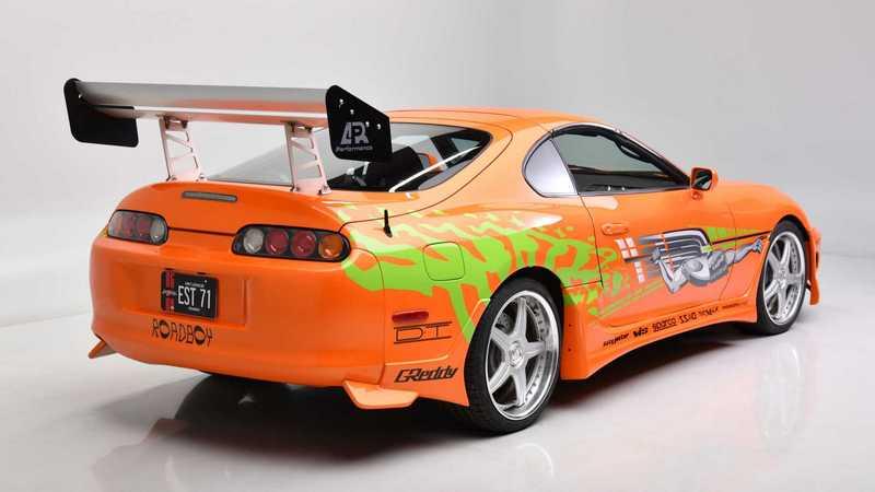 這輛Supra最大特色就是Paul Walker有親自駕駛它進行拍攝。