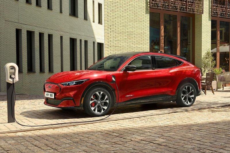 Ford預計2025年會推出兩種電動車平台,屆時將會推出Mustang Mach-E與F-150 Lightning等九款車型。