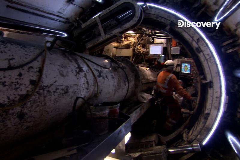 《生活科技大解密》這是長127公尺造價500萬英鎊的鑿地怪獸,以每分鐘最多25公分的速度切穿地表。(圖:Discovery提供)