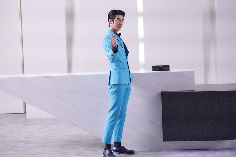 【車勢星聞】《愛的奧特萊斯》傅孟柏飾演掛著招牌假笑的銷售代表Paul。(圖:Line TV提供)