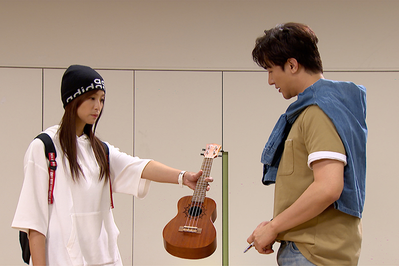 【車勢星聞】《三隻小豬的逆襲》賴雅妍、謝佳見「裝嫩」演出大學生,為戲譜曲拍MV。(圖:三立提供)