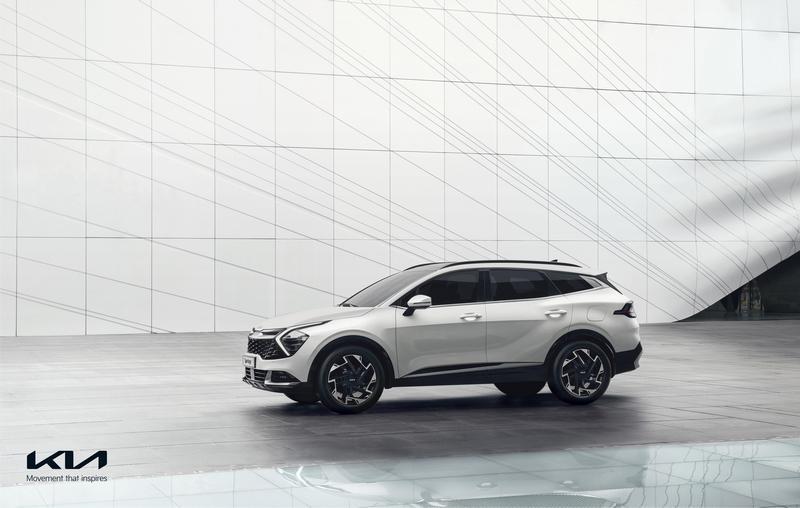 新世代Sportage車頭運用豐富搶眼設計元素。