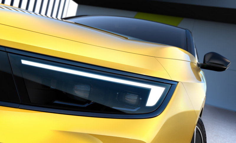 Astra方正俐落的頭燈設計與Mokka頗為相似。