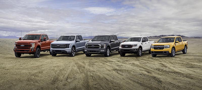 Maverick加入後,Ford的Pick-up產品線也較其他品牌更加完整多元,圖中由左至右分別為F-250、F-150 Lightning、F-150、Ranger與Maverick。