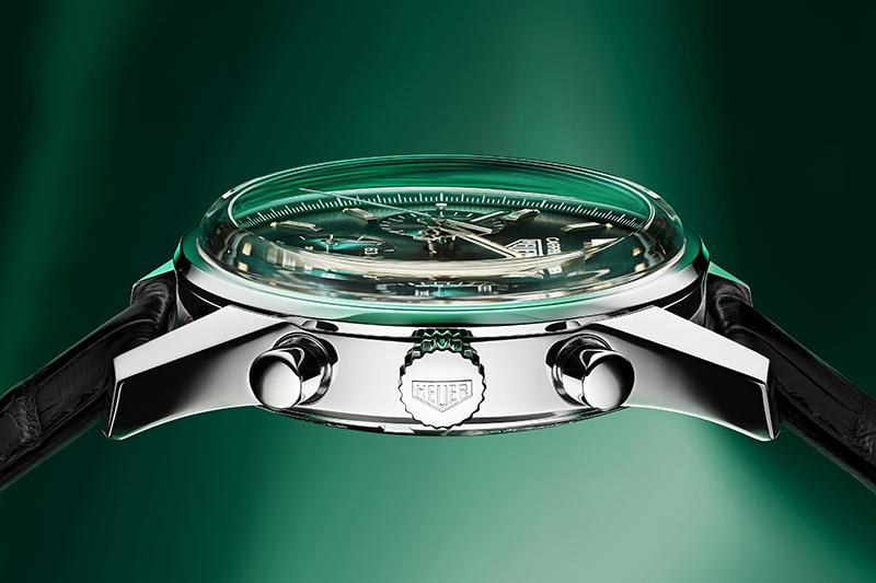 TAG Heuer泰格豪雅Carrera 綠面限量自動計時腕錶, 參考編號CBK221F.FC6479,建議售價218,700。(圖:品牌提供)