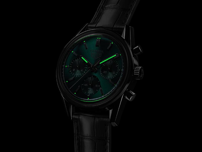 TAG Heuer泰格豪雅Carrera 綠面限量自動計時腕錶, 參考編號CBK221F.FC6479, 建議售價NT$ 218,700。(圖:品牌提供)