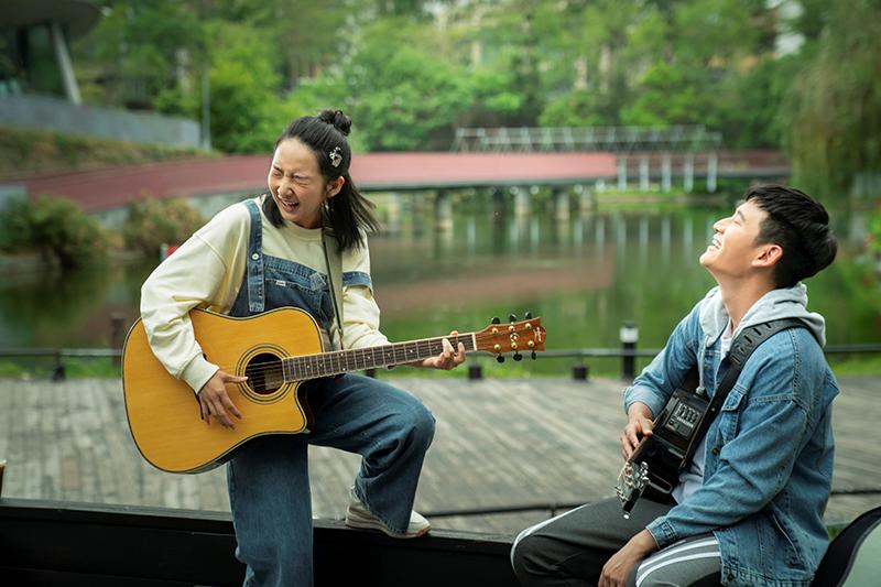 【車勢星聞】《我吃了那男孩一整年的早餐》主要演員李沐、周興哲。(圖:華映娛樂提供)