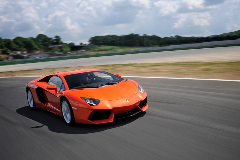 Lamborghini Aventador奠定一枝獨秀的地位,