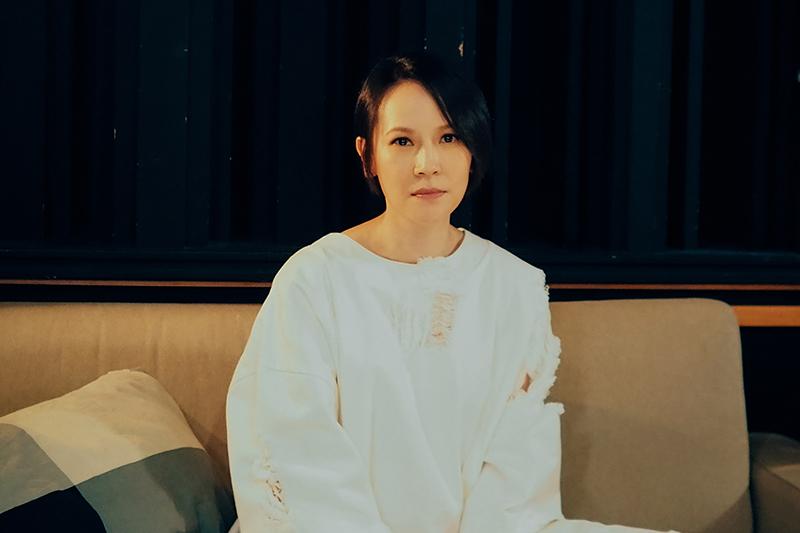【車勢星聞】楊乃文推出新歌《糾纏》,宣布《繆斯Muse》巡迴演唱會確定延期。(圖:亞神音樂提供)