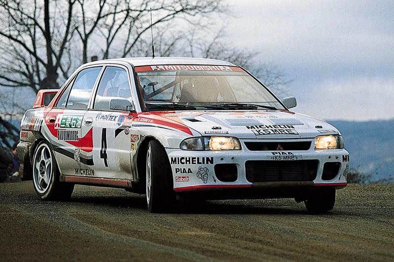 1992年Mitsubishi推出Lancer Evolution,在此之後不僅於賽事屢創佳績,更成就一代經典傳奇。