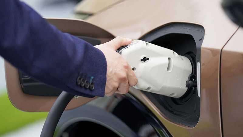有報導加拿大2035年除禁燃油銷售。甚至只能銷售零排放車型。
