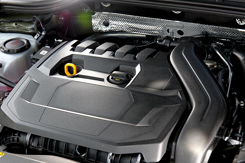 1.5升引擎雖維持150hp/25.5kgm輸出,但48V與汽缸休止讓油耗擁有18.5km/L表現。