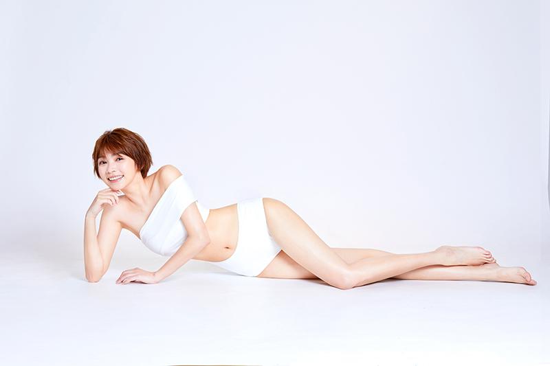 【車勢星聞】曾智希辣秀川字肌、雪白大長腿 。(圖:品牌提供)