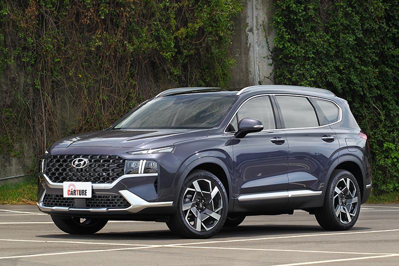 才間隔兩年Hyundai就推出小改Santa Fe。