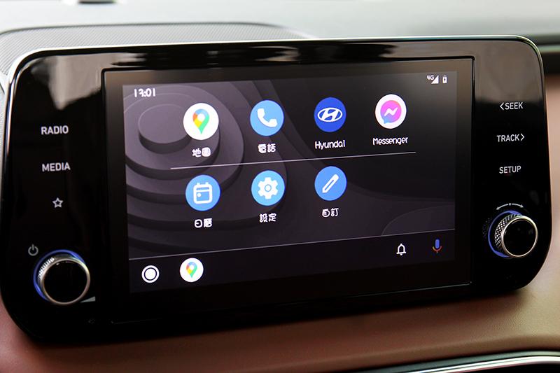 支援無線Apple CarPlay/Android Auto。