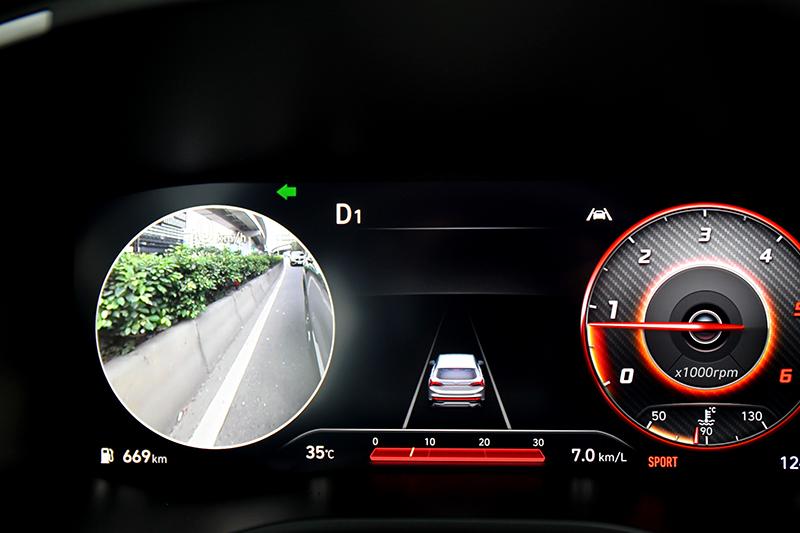打方向燈BVM盲區影像輔助會呈現後方影像。