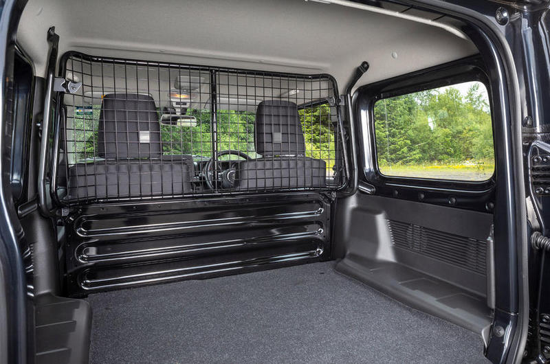 Jimny日前在規推出貨車版來避開嚴苛規範。