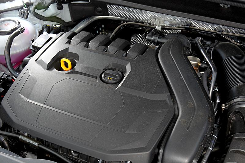 小改Q2改搭載1.5升渦輪引擎,具有汽缸休止系統,油耗也進步到18.1km/L。