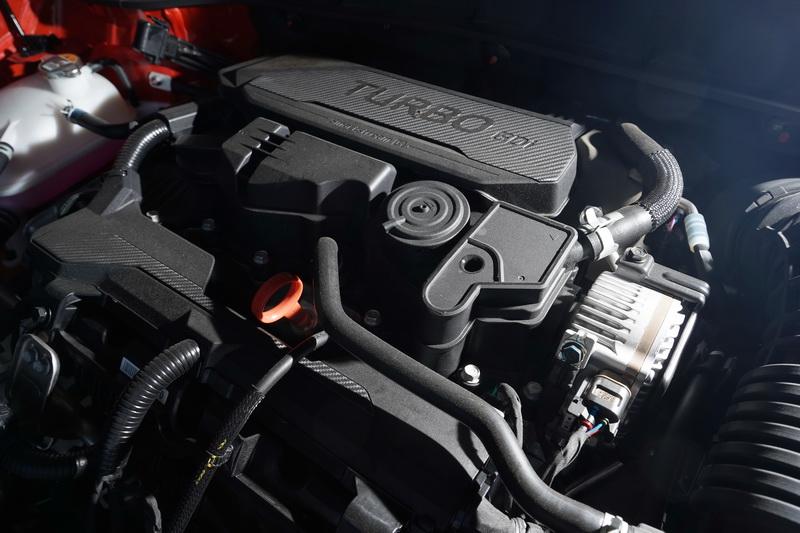 原本1.6升SmartStream渦輪引擎基礎下將馬力再放大至198匹,搭配7速DCT變速箱使得0-100 km/h只要7.7秒